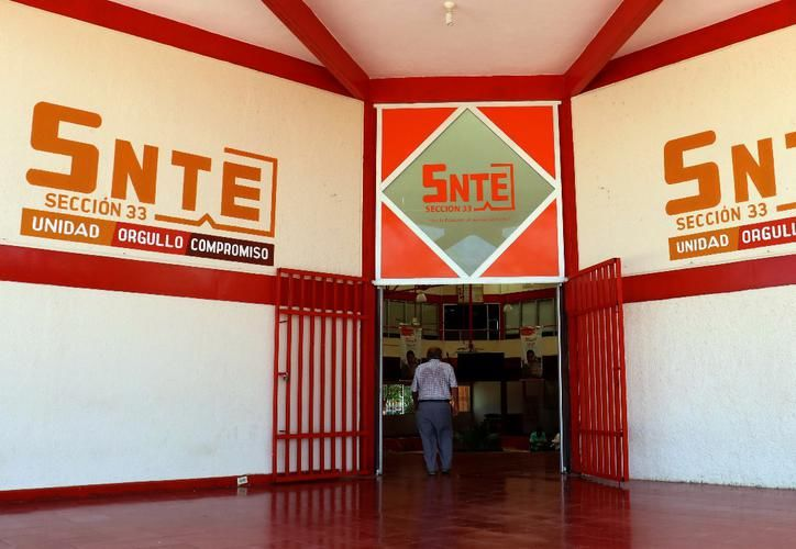 El Sindicato Nacional de los Trabajadores de la Educación (SNTE) se mantiene como la organización sindical con más profesores afiliados en Yucatán. En la sección 33 se agrupan a 26 mil trabajadores y en la sección 57 se tienen a poco más de 7 mil maestros.  (Foto archivo)