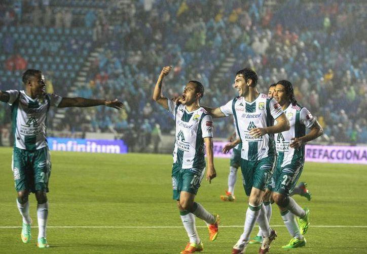 El campeón León le hará los honores a Toluca en partido pactado para las 20:06 horas de este jueves en el estadio Nou Camp. (Archivo Notimex)