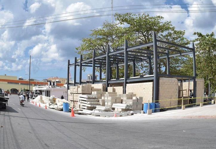 La obra es ejecutada por la empresa Constructora Sinjo, S.A de C.V. quien postulo solo 147 mil 340 pesos. (Gustavo Villegas/ SIPSE)