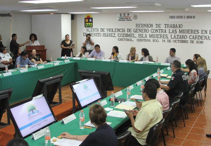Ultima reunión de la Conavim donde se fijaron los reglamentos contra la violencia de la mujer.(Paloma Wong/SIPSE)