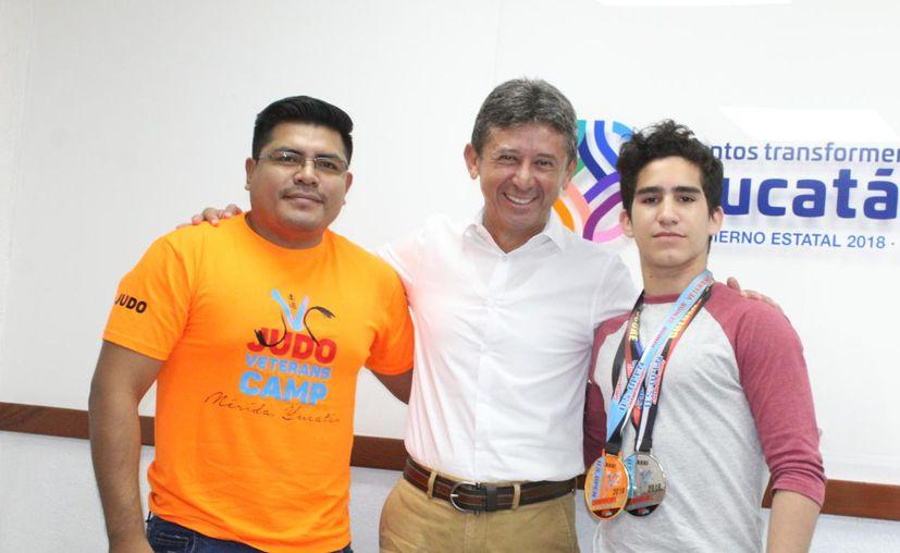 El judoca yucateco Elías Cuevas Aguilar (d). (Foto: Novedades Yucatán)
