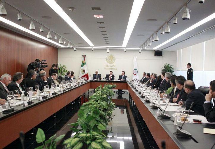 Imagen de la reunión del presidente Enrique Peña Nieto con los coordinadores parlamentarios. (SIPSE)