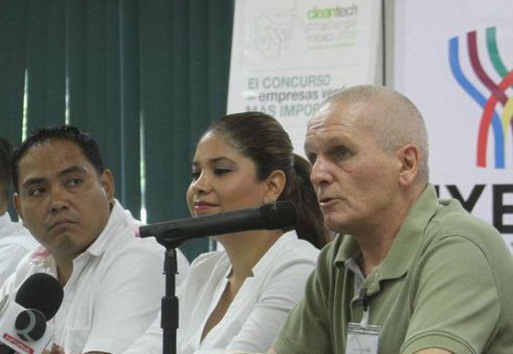 Uwe Henrich Rolli es titular de la empresa  Kinetic Power Plant México, que concursa a nivel nacional por sus innovaciones tecnológicas aplicadas en favor del medio ambiente. (SIPSE)