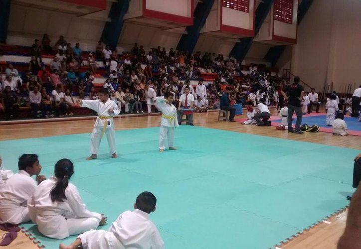 En la división 1999-2000, Cancún está en la punta en las modalidades de kata y kumite. (Ángel Mazariego/SIPSE)