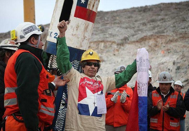 Los mineros estuvieron atrapados durante 70 días a 700 metros de profundidad. (Archivo/Agencias)