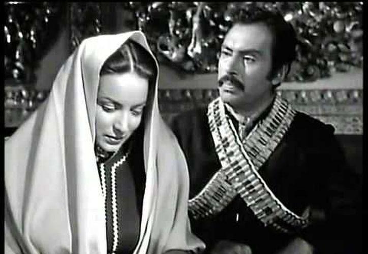 María Félix y Pedro Armendariz, cine de oro mexicano. (Foto: Youtube)