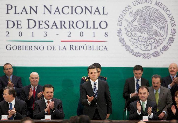 Peña Nieto aseguró que el gobierno de la República tiene visión y rumbo claros sobre el México que queremos construir en este siglo XXI. (Notimex)