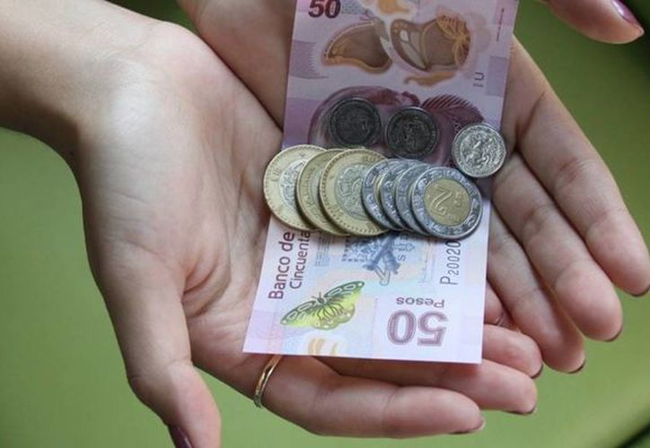Para que una familia pueda solventar sus necesidades, el mexicano debe ganar  353 pesos diarios. (Foto: Contexto)