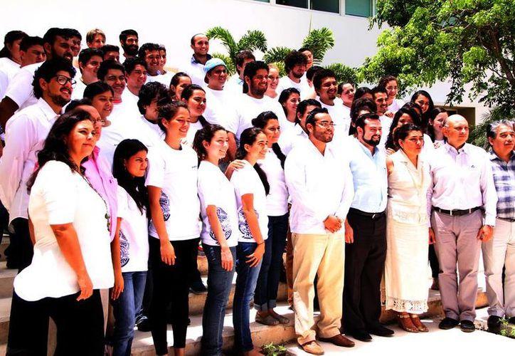 Jóvenes del Programa Institucional de Movilidad Estudiantil. (José Acosta/SIPSE)