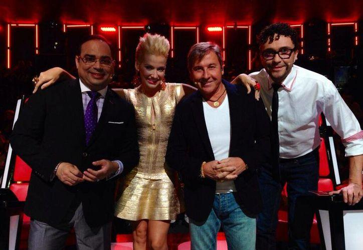 """Fanny Lu actualmente es jurado de """"La Voz... Colombia"""", con Gilberto Santa Rosa (i), Ricardo Montaner (c) y Andrés Cepeda. (@Fanny_Lu)"""