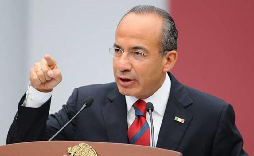 Calderón aseguró que el discurso racial de Donald Trump es similar al que en su momento usó Adolf Hitler. (mx.globedia.com)
