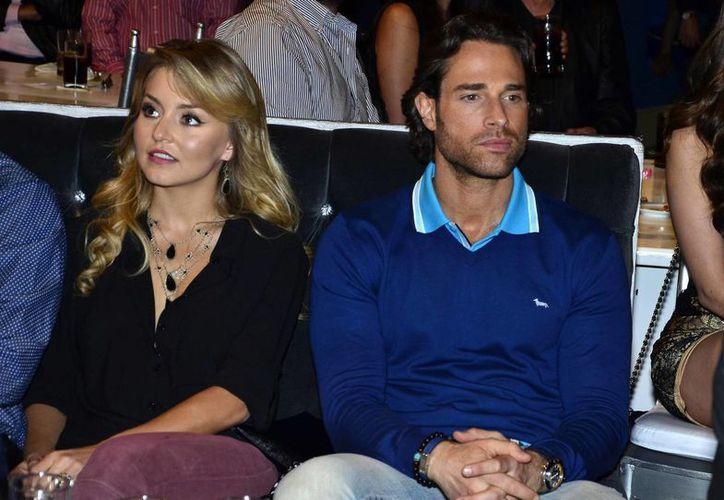 Sebastián Rulli reveló los planes que tiene con su novia, Angelique Boyer sobre un viaje a Europa. (holaciudad.com)
