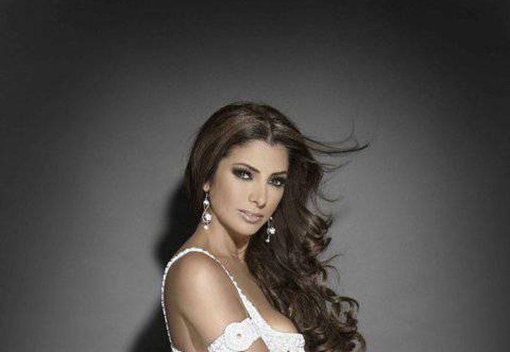 """Pilar Montenegro informó que para el 2015 le gustaría lanzar una nueva producción discográfica con """"covers"""". (facebook.com/pilarmontenegro2010)"""