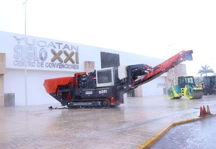 Todo está listo para la inauguración hoy de la Expo Construcción Yucatán 2018. (Foto: Jorge Acosta/Milenio Novedades)