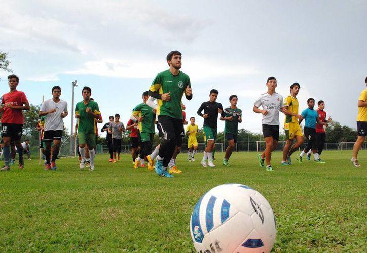 Venados de tercera división arrancaron con los trabajos de la tercera semana de preparación de cara al inicio del torneo de tercera división.(Milenio Novedades)