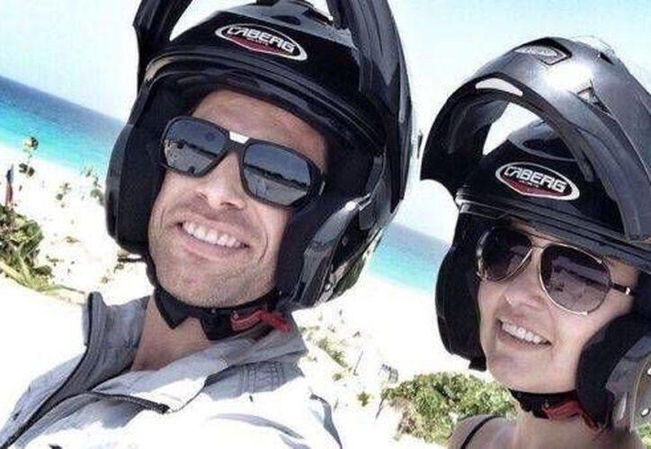 Los actores pasearon en moto. (Foto/esmas)