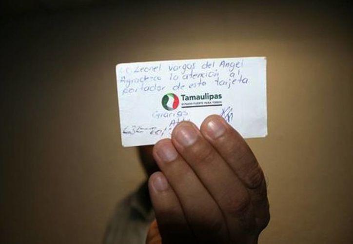 Las tarjetas se encuentran firmadas por el regidor y van dirigidas al titular de Tránsito de Ciudad Madero, Tamaulipas. (Jesús García/Milenio)