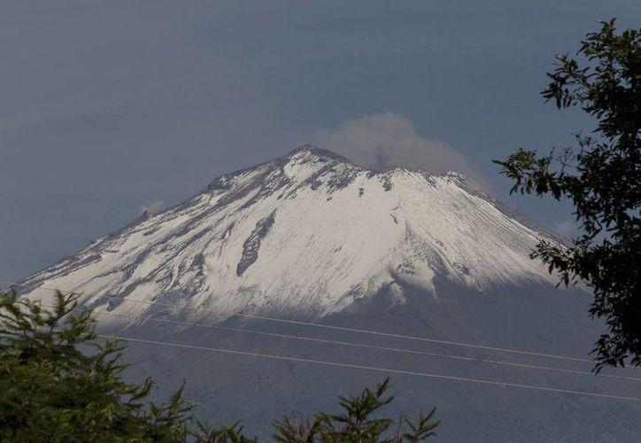 Las autoridades indicaron que debido a la poca actividad del Popocatepetl se mantiene la Alerta Volcánica Amarillo Fase 2. (Archivo Notimex)