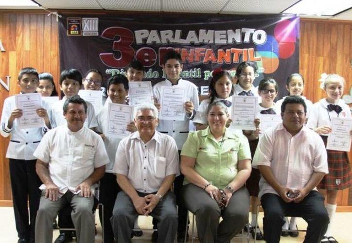 El Parlamento Infantil es un evento que fomenta los valores democráticos y contribuye con ello a la formación de mejores ciudadanos. (Redacción/SIPSE)