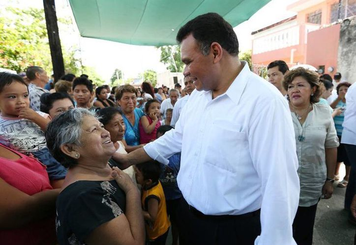 El Gobernador inauguró dos comedores ubicados en la colonia Bojórquez y la Unidad Morelos, beneficiando a adultos mayores, niños y personas con discapacidad de las zonas habitacionales. (Cortesía)