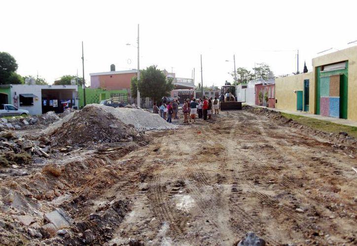 Afirman vecinos de la calle 59-B que ésta es una vía secundaria y angosta; temen por la seguridad de niños. (Christian Ayala/SIPSE)
