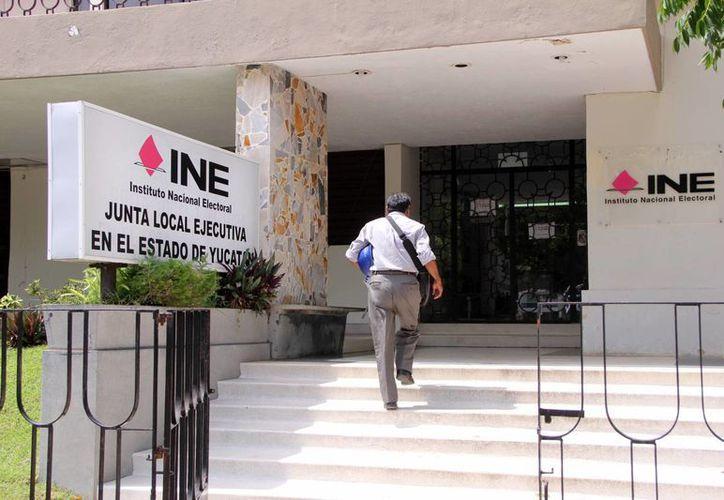 El INE estima un presupuesto menor a 2012, cuando fue de 23 millones de pesos, ahora espera sólo 20 mdp. (Milenio Novedades)