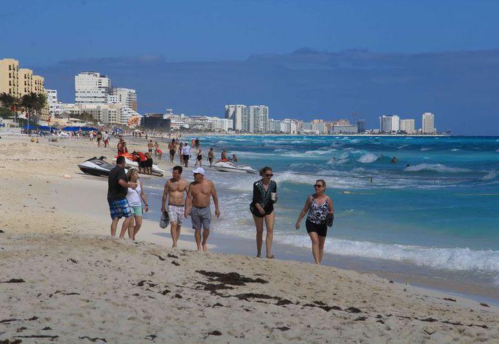 La Zofemat ya trabaja para dar a un kilómetro más de playa de Cancún la certificación que la acredite como sustentable. (Luis Soto/SIPSE)