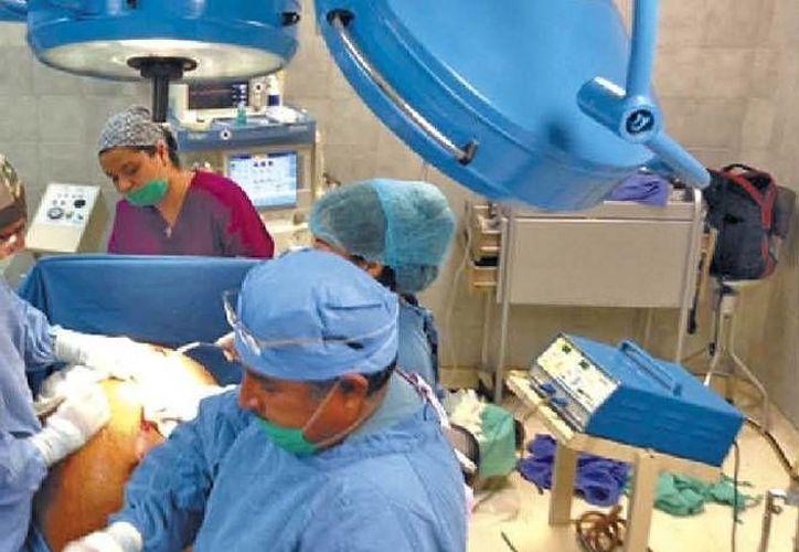 El caso de la señora Mercedes Talamantes fue dado a conocer 21 días después de la operación. (Cortesía/IMSS)