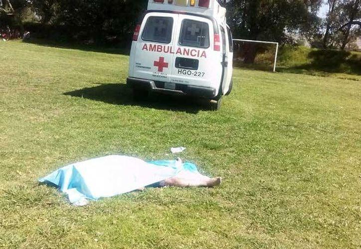 Según testigos, el jugador que le dio un cabezazo a un árbitro y lo mató en Hidalgo, escapó en un auto. (Foto tomada de excelsior.com)