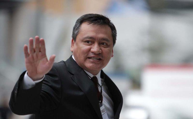 Se va Osorio Chong de la Segob