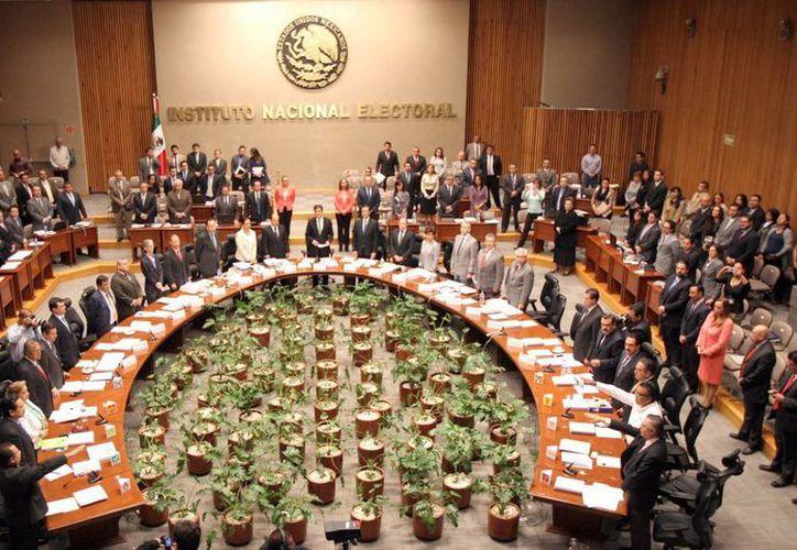 El Consejo General del Instituto Nacional Electoral (INE) celebró una Sesión Extraordinaria, en la que rindieron protesta los representantes de los partidos Morena, Frente Humanista y Encuentro Social. (Notimex)