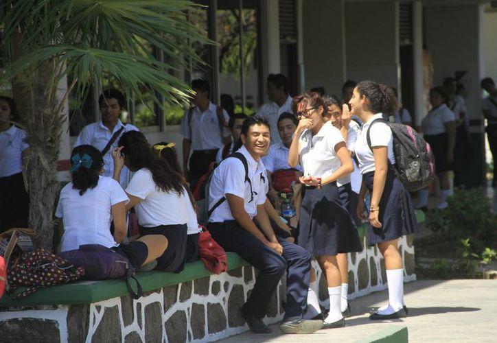 Los alumnos de los Bachilleres del Estado no tuvieron clases el durante el día de ayer. (Harold Alcocer/SIPSE)