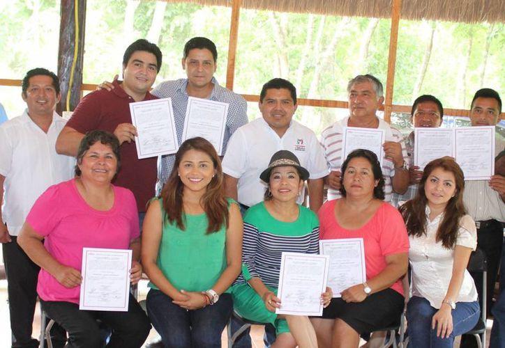 Los regidores electos y el síndico durante el evento. (Rossy López/SIPSE)