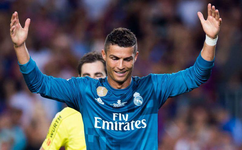 Suspendieron cinco partidos a Cristiano Ronaldo por empujar a árbitro