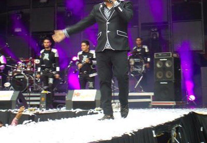 El ex vocalista de Banda El Recodo se presentará por primera vez en Texcoco y quiere sorprender a su público, mediante su actuación con mariachi. (Foto tomada de Facebook oficial de 'El Mimoso')