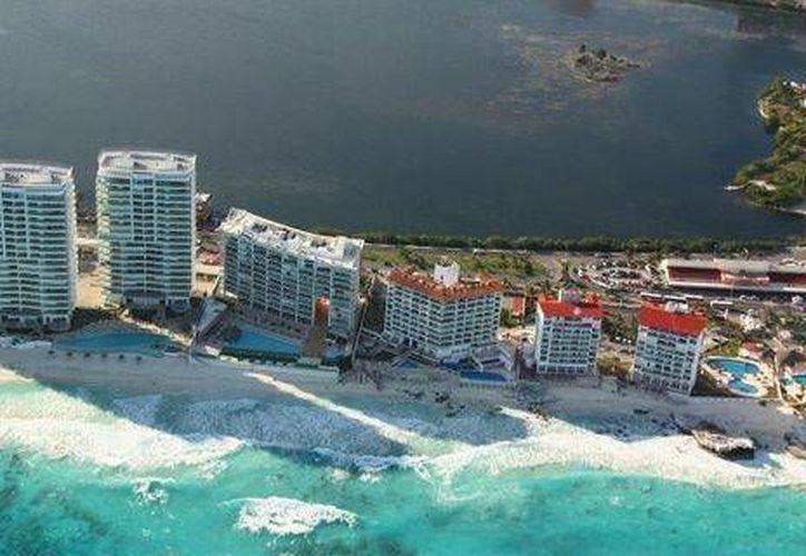 El tesorero municipal, Rafael Ponce Pacheco, llamó a los hoteleros que adeudan el gravamen a cumplir con su obligación. (Foto de Contexto/cancun.olx.com.mx)