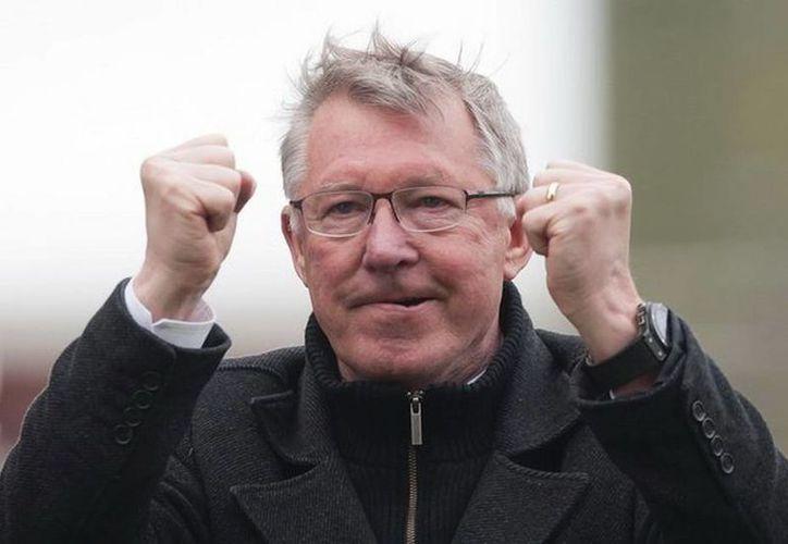 Ferguson reconoció que Wayne Rooney 'ha recuperado su energía, la determinación, su propósito de atacar jugadores'. (Agencias)