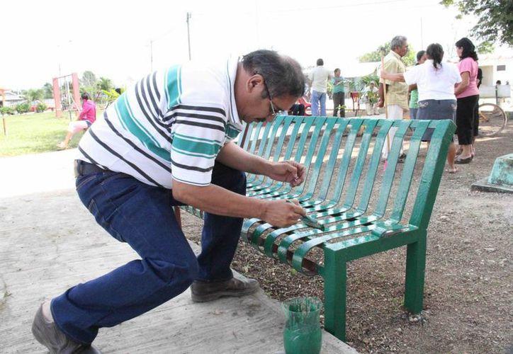 Entre los trabajos que se llevaron a cabo destacó, el acondicionamiento del parque central de la comunidad. (Cortesía/SIPSE)