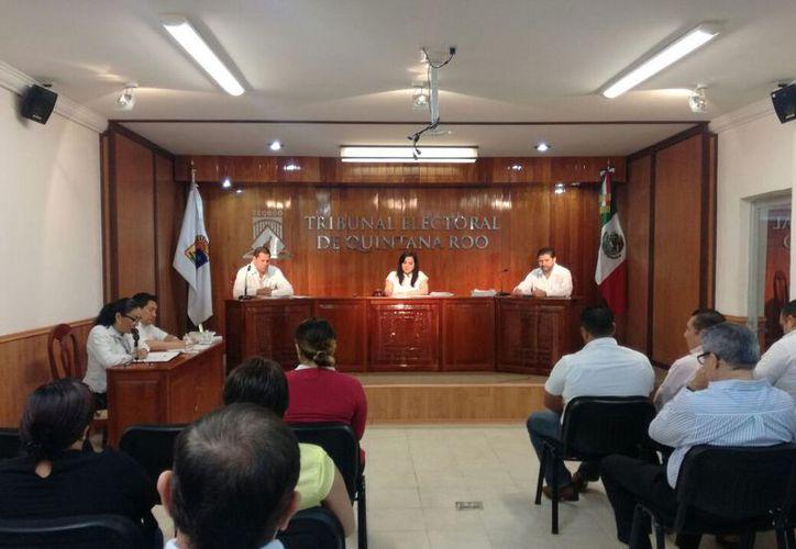 El aspirante y la coalición Por México al Frente ingresaron la impugnación ante el Tribulan Electoral de Quintana Roo. (Israel Leal/SIPSE)