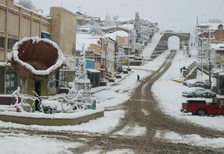 Cananea fue el municipio donde más hielo cayó, seguido por Naco, Agua Prieta y Nogales. (Felipe Larios Gaxiola/MILENIO)
