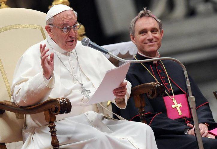 """Jorge Bergoglio dedicó su homilía a la """"pobreza"""" y la """"gratuidad"""" con la cual debe actuar la Iglesia. (Archivo/EFE)"""