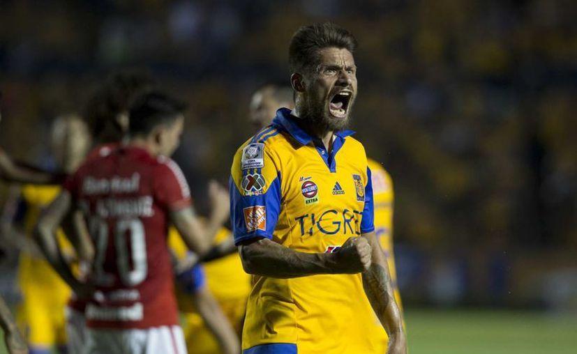Tigres jugará la final de la Copa Libertadores, el primer juego es en México y el definitivo se disputará en Argentina, en la imagen Rafael Sobis celebra la victoria de su equipo en la semifinal de ayer. (AP)
