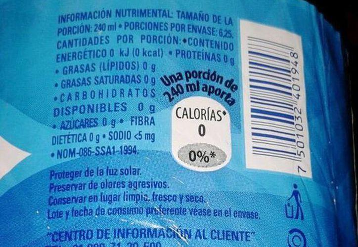 Los productos informarán el contenido de azúcares, carbohidratos y sodio, así como lo que representa su consumo para la salud. (SIPSE.com)