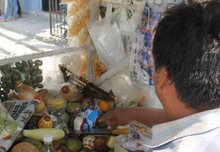 """Se realizó un """"barrido"""" para detectar a los comerciantes informales. (Redacción/SIPSE)"""