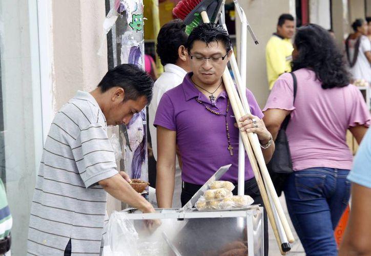 La falta de higiene y el consumir alimentos comprados en la vía pública lleva a padecer por lombrices. (SIPSE)