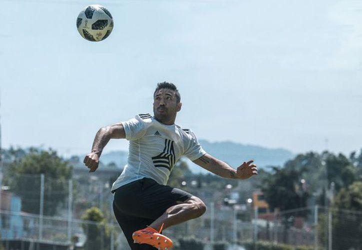 Marco Fabián tiene pocas opciones para seguir jugando en las ligas europeas. (Twitter)