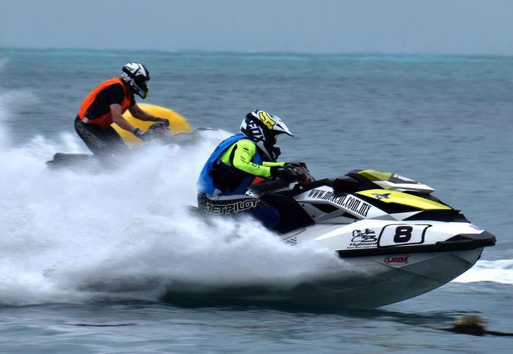Finaliza el segundo día de competencias de motos acuáticas. (Raúl Caballero/SIPSE)