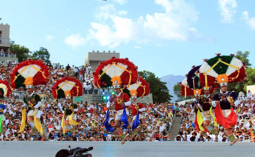 La Guelaguetza es una celebración que tiene lugar en el estado de Oaxaca. (V México al Máximo)