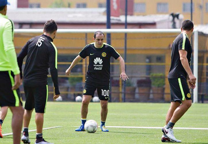Cuauhtémoc Blanco entrenó esta mañana en Coapa de cara al partido-homenaje que jugará el América contra Monarcas Morelia. (Facebook: Club América)