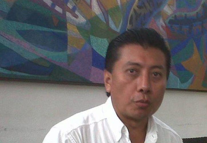"""El aspirante priísta Chucho Pool, manifestó su optimismo: en su distrito habitan yucatecos y él """"goza de su simpatía"""". (Tomás Álvalrez/SIPSE)"""